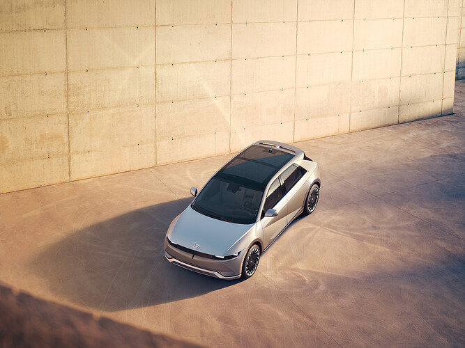 45019-HyundaiIONIQ5RedefinesElectricMobilityLifestyle