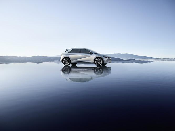 45015-HyundaiIONIQ5RedefinesElectricMobilityLifestyle