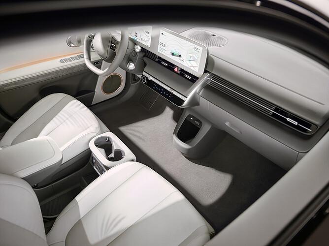 45013-HyundaiIONIQ5RedefinesElectricMobilityLifestyle