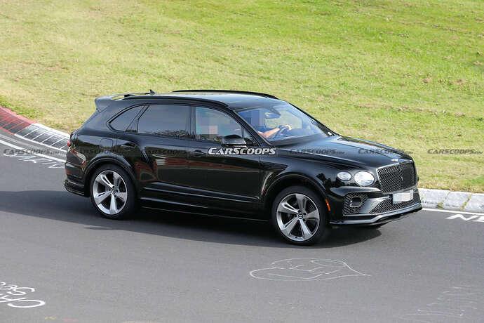 2022-Bentley-Bentayga-Black-13