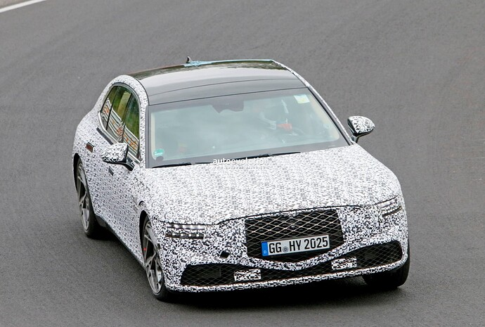 2023-genesis-g90-spied-lapping-the-nurburgring-in-the-wet_24