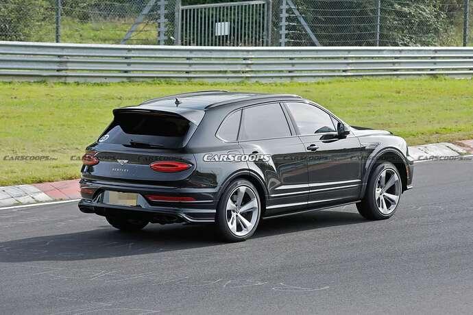 2022-Bentley-Bentayga-Black-16