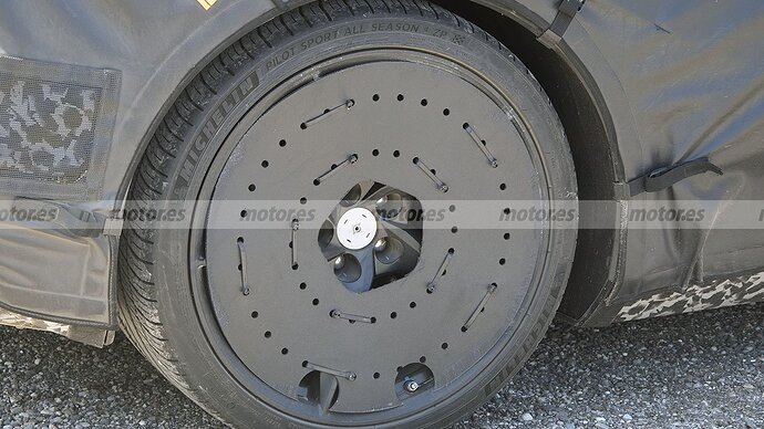 chevrolet-corvette-e-ray-fotos-espia-202180412-1629132301_32