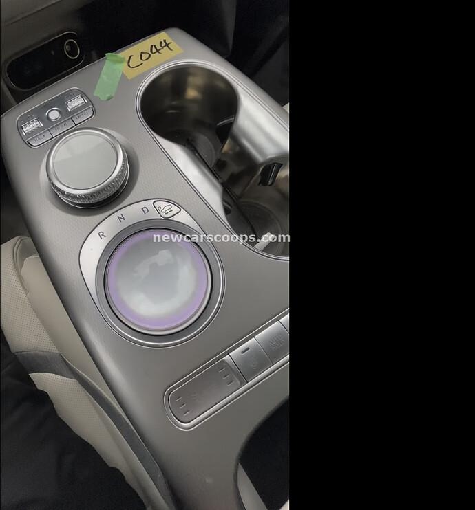 Genesis GV60 Interior006