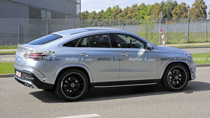 mercedes-benz-gle-coupe-facelift-new-spy-photo-side-view (2)