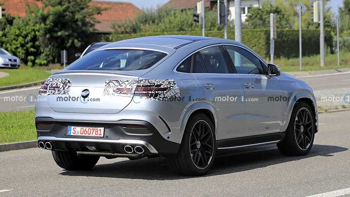 mercedes-benz-gle-coupe-facelift-new-spy-photo-rear-three-quarters (3)