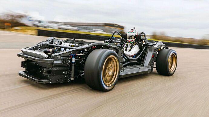 Porsche-Mission-R-169Gallery-55bdd577-1836334