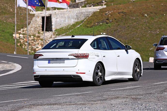 volkswagens-tesla-model-3-rival-begins-public-testing-with-435-miles-range_8