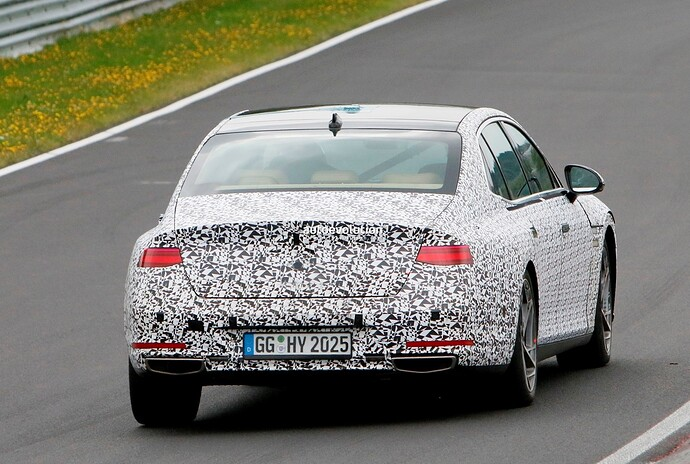 2023-genesis-g90-spied-lapping-the-nurburgring-in-the-wet_35