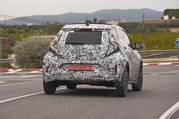 2022-Toyota-Aygo-Prototype-12