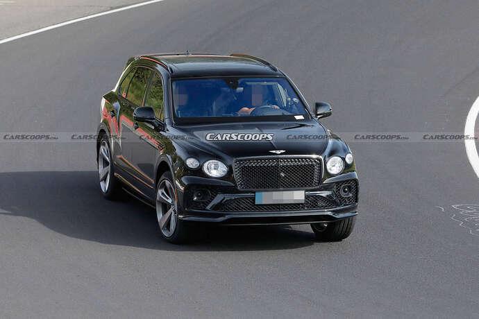 2022-Bentley-Bentayga-Black-11