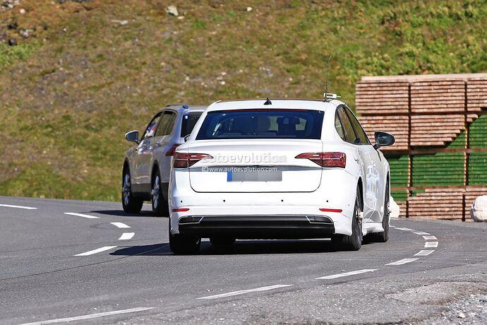 volkswagens-tesla-model-3-rival-begins-public-testing-with-435-miles-range_9