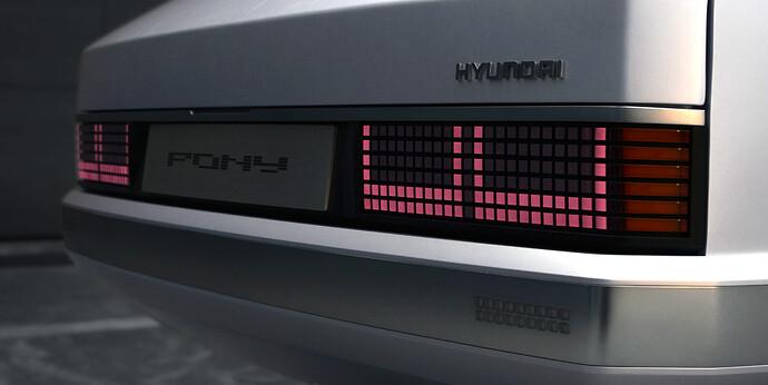 45682-HyundaiMotorShowcasesHeritageSeriesPONYasIconofDesignInnovation