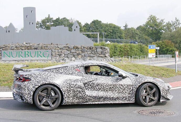 chevrolet-corvette-z06-2023-nurburgring-fotos-espia-202180442-1629211425_19