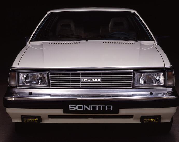 Sonata_85_Studio_Shot01_06