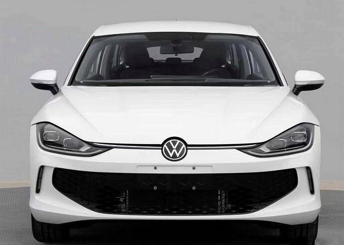 VW-Lamando-leaked-2