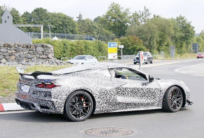 chevrolet-corvette-z06-2023-nurburgring-fotos-espia-202180442-1629211457_30