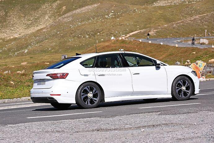 volkswagens-tesla-model-3-rival-begins-public-testing-with-435-miles-range_6