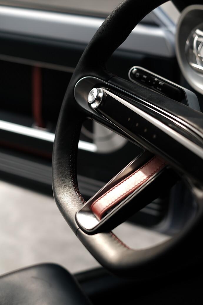 45688-HyundaiMotorShowcasesHeritageSeriesPONYasIconofDesignInnovation