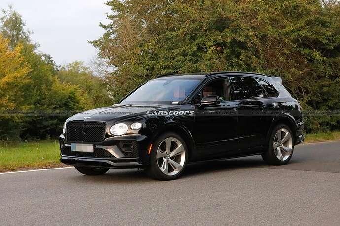 2022-Bentley-Bentayga-Black-4
