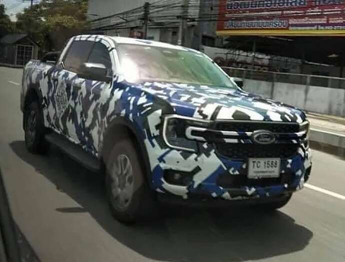 2023-ford-ranger-pickup-truck-spied-with-2022-ford-maverick-inspired-front-fascia_2