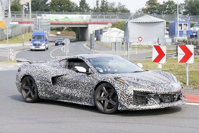 chevrolet-corvette-z06-2023-nurburgring-fotos-espia-202180442-1629211417_16