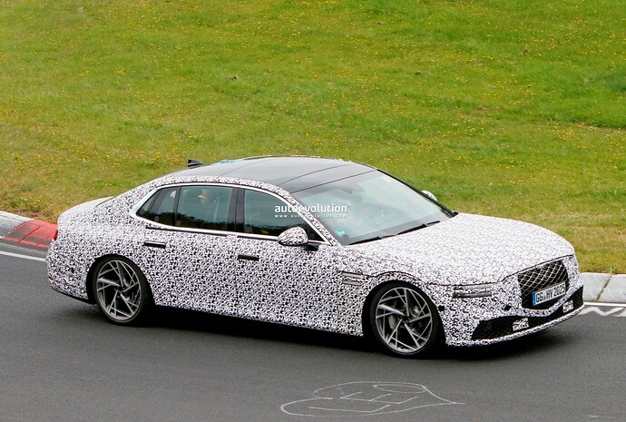 2023-genesis-g90-spied-lapping-the-nurburgring-in-the-wet_28
