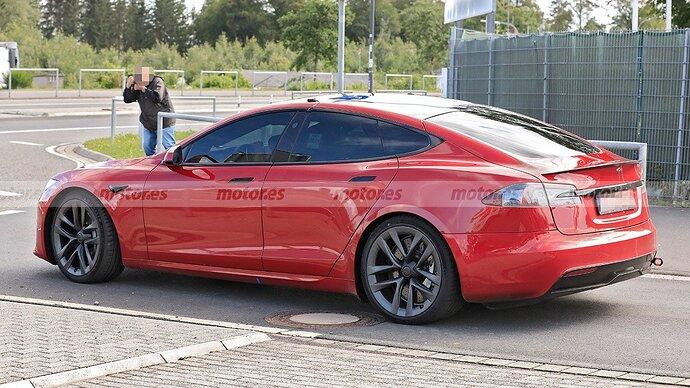 tesla-model-s-plaid-2021-nurburgring-202179931-1627322272_23