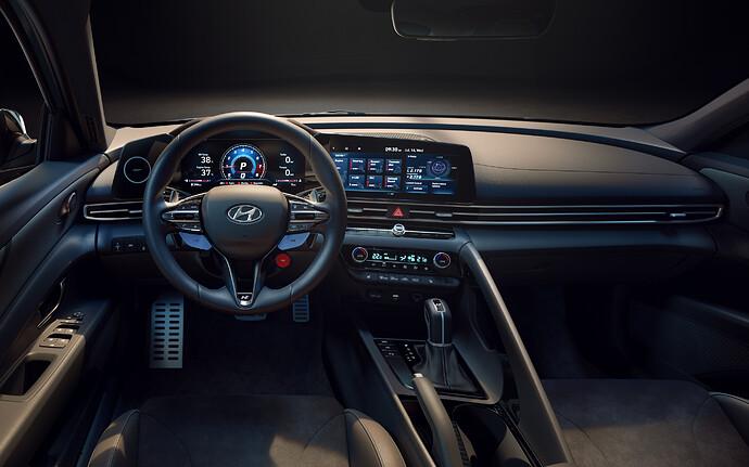 Hyundai_Avante_N012