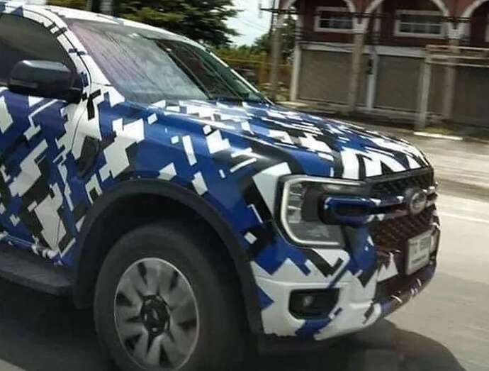 2023-ford-ranger-pickup-truck-spied-with-2022-ford-maverick-inspired-front-fascia_3