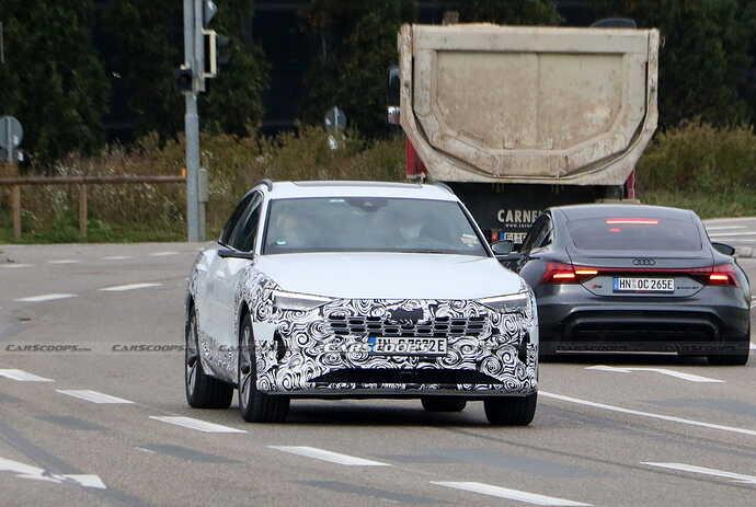2023-Audi-e-tron-Sportback-facelift-Scoop-14