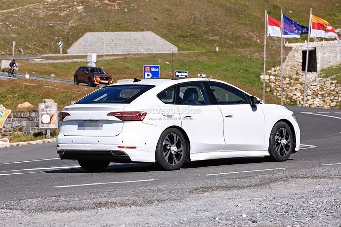 volkswagens-tesla-model-3-rival-begins-public-testing-with-435-miles-range_7