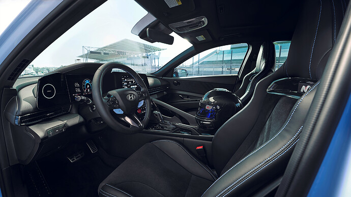 Hyundai_Avante_N011