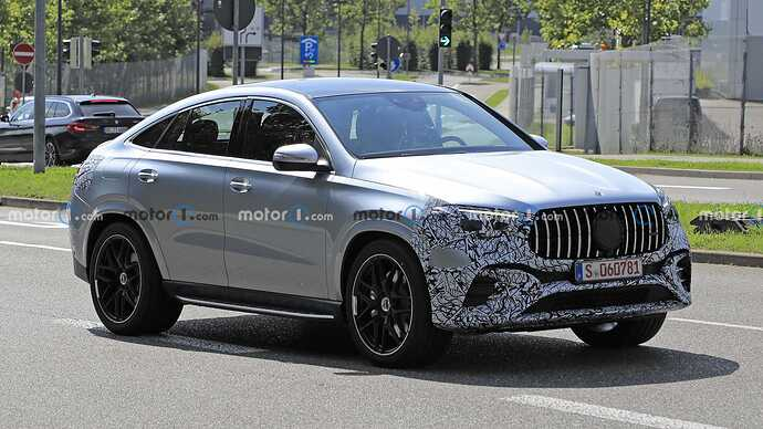 mercedes-benz-gle-coupe-facelift-new-spy-photo-front-three-quarters (3)