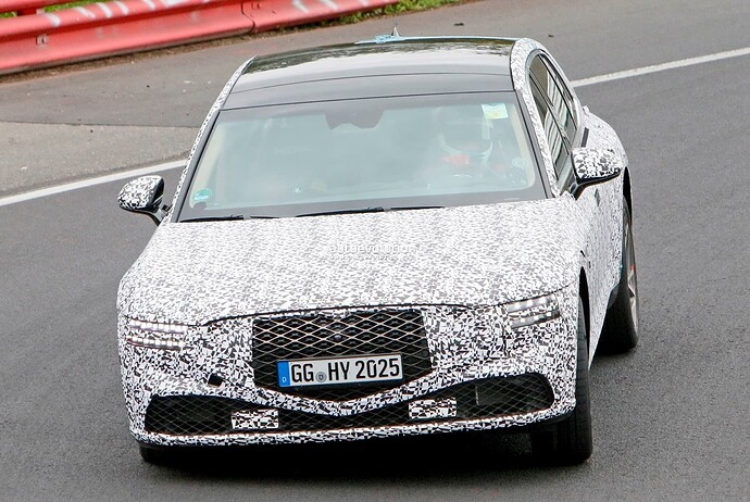 2023-genesis-g90-spied-lapping-the-nurburgring-in-the-wet_22