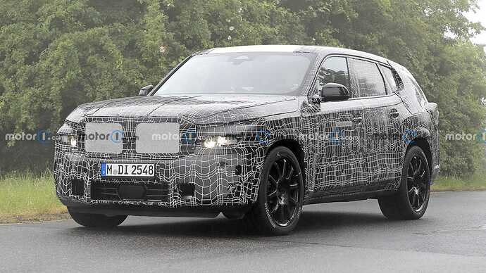 bmw-x8-spied-flaunting-unusual-tailpipe-layout (12)