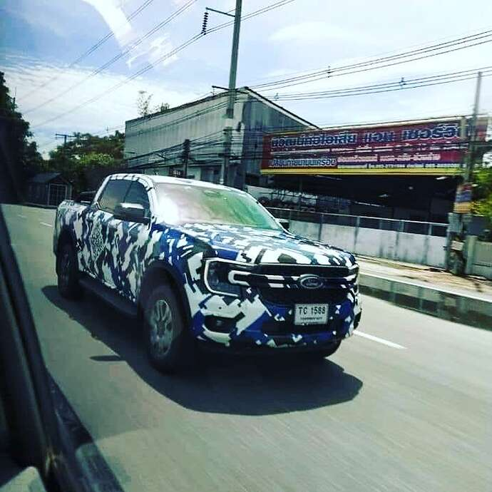 2023-ford-ranger-pickup-truck-spied-with-2022-ford-maverick-inspired-front-fascia_1