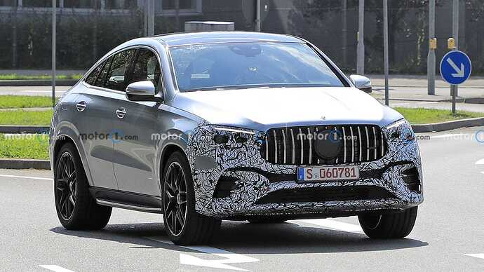 mercedes-benz-gle-coupe-facelift-new-spy-photo-front-three-quarters (1)