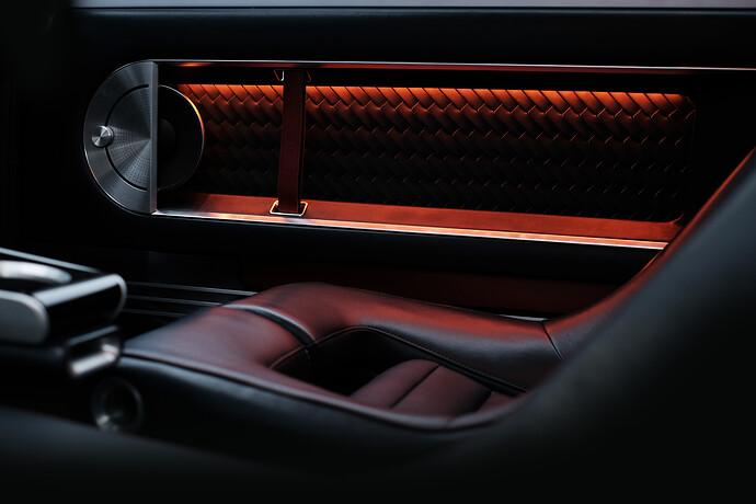 45693-HyundaiMotorShowcasesHeritageSeriesPONYasIconofDesignInnovation