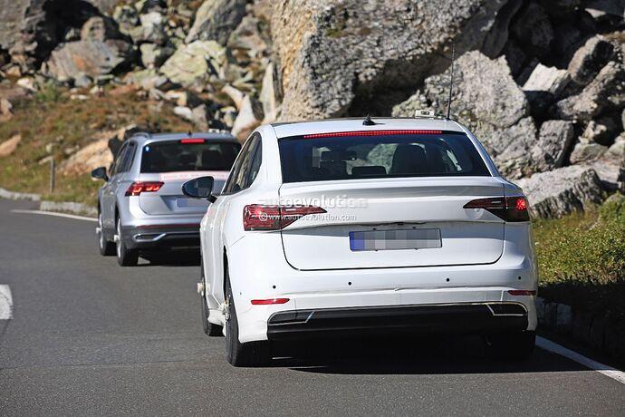 volkswagens-tesla-model-3-rival-begins-public-testing-with-435-miles-range_16