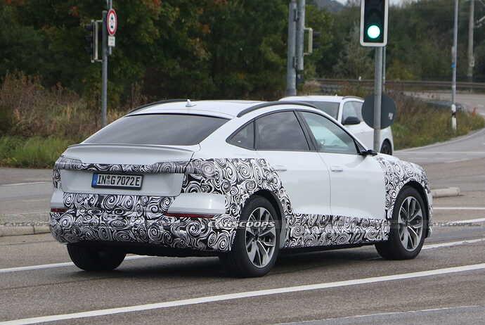 2023-Audi-e-tron-Sportback-facelift-Scoop-31