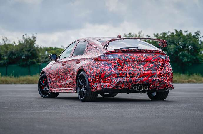 2023-honda-civic-type-r-looks-fast-and-furious-in-official-teasers-coming-next-year_2