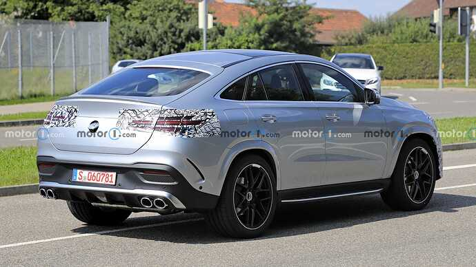 mercedes-benz-gle-coupe-facelift-new-spy-photo-rear-three-quarters (2)