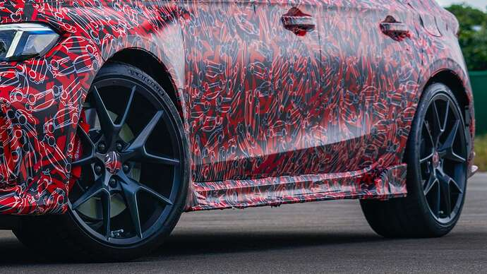2023-honda-civic-type-r-looks-fast-and-furious-in-official-teasers-coming-next-year_4