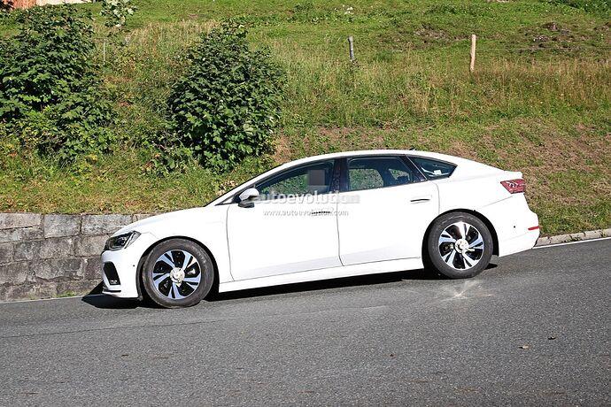 volkswagens-tesla-model-3-rival-begins-public-testing-with-435-miles-range_17