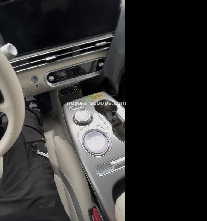 Genesis GV60 Interior005