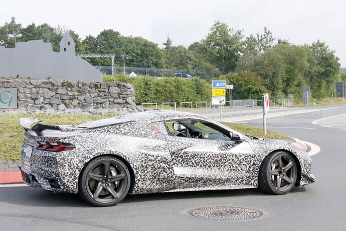 chevrolet-corvette-z06-2023-nurburgring-fotos-espia-202180442-1629211429_20