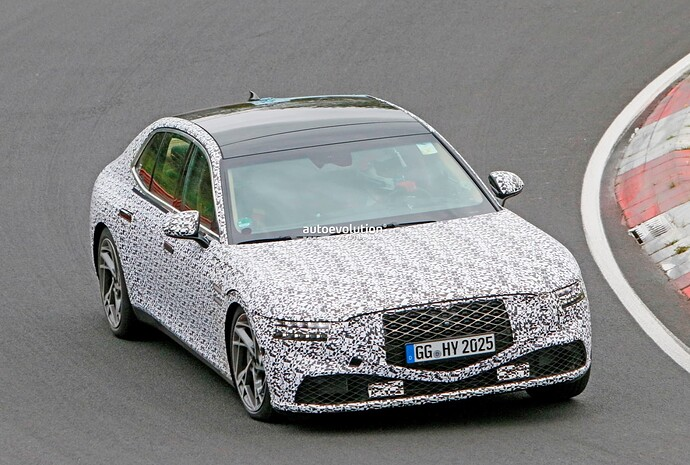 2023-genesis-g90-spied-lapping-the-nurburgring-in-the-wet_25