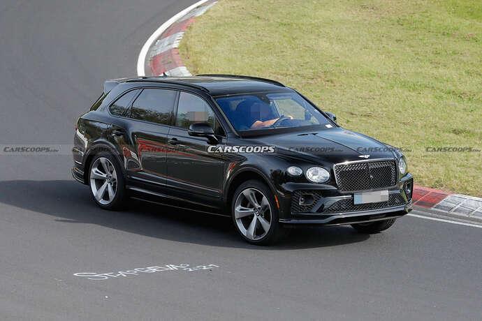 2022-Bentley-Bentayga-Black-12