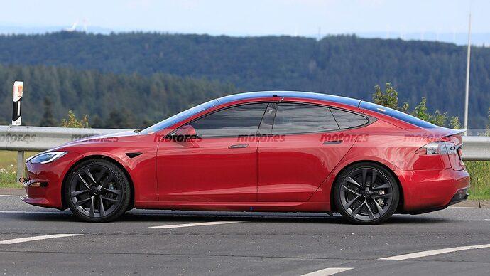 tesla-model-s-plaid-2021-nurburgring-202179931-1627322277_25